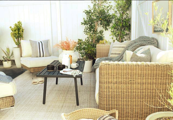 6 Ways to Style Your New Outdoor Rug