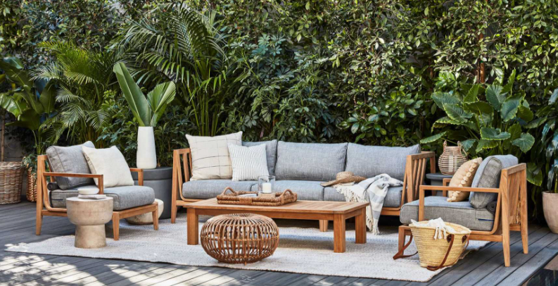 Teak Outdoor Furniture Buying Guide: 4 Things To Know Before You Buy