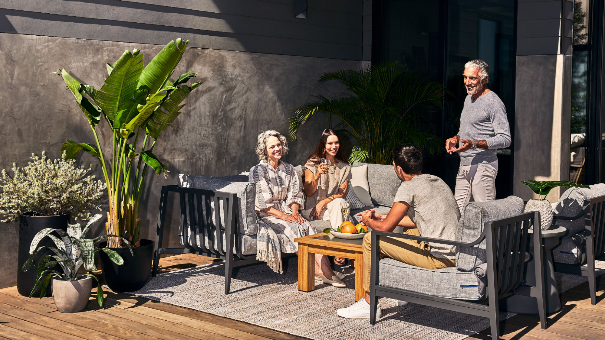 The Complete Aluminum Outdoor Furniture Buying Guide