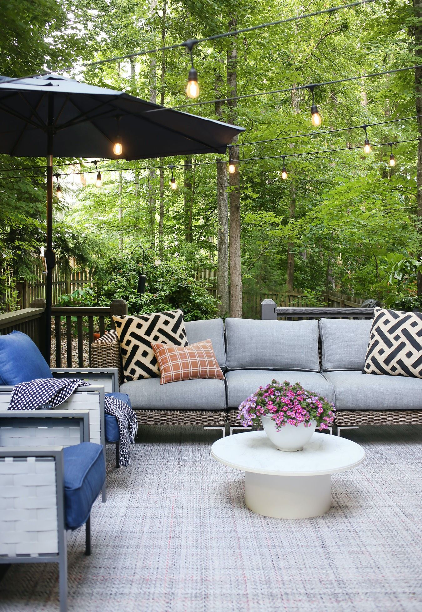 Large outdoor rugs for outdoor living space