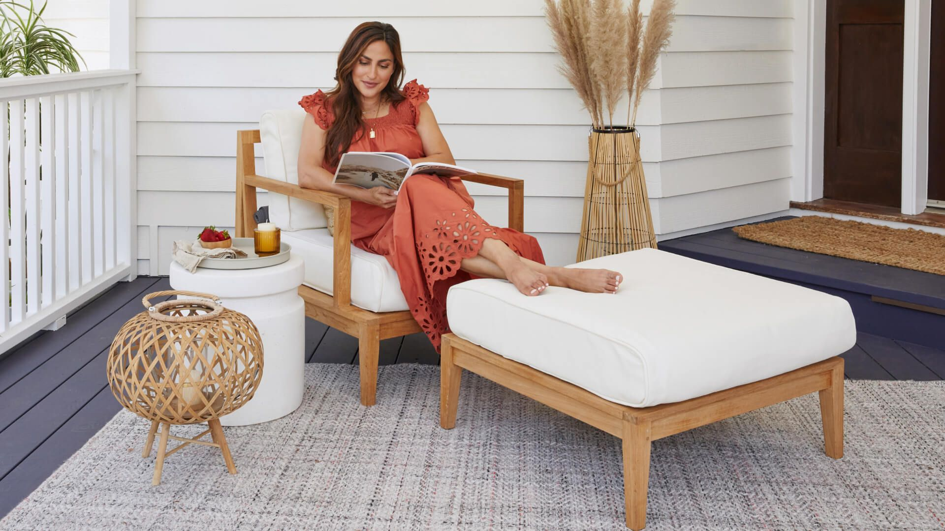 The Newest Addition to Your Outdoor Living Room: Outer Ottomans