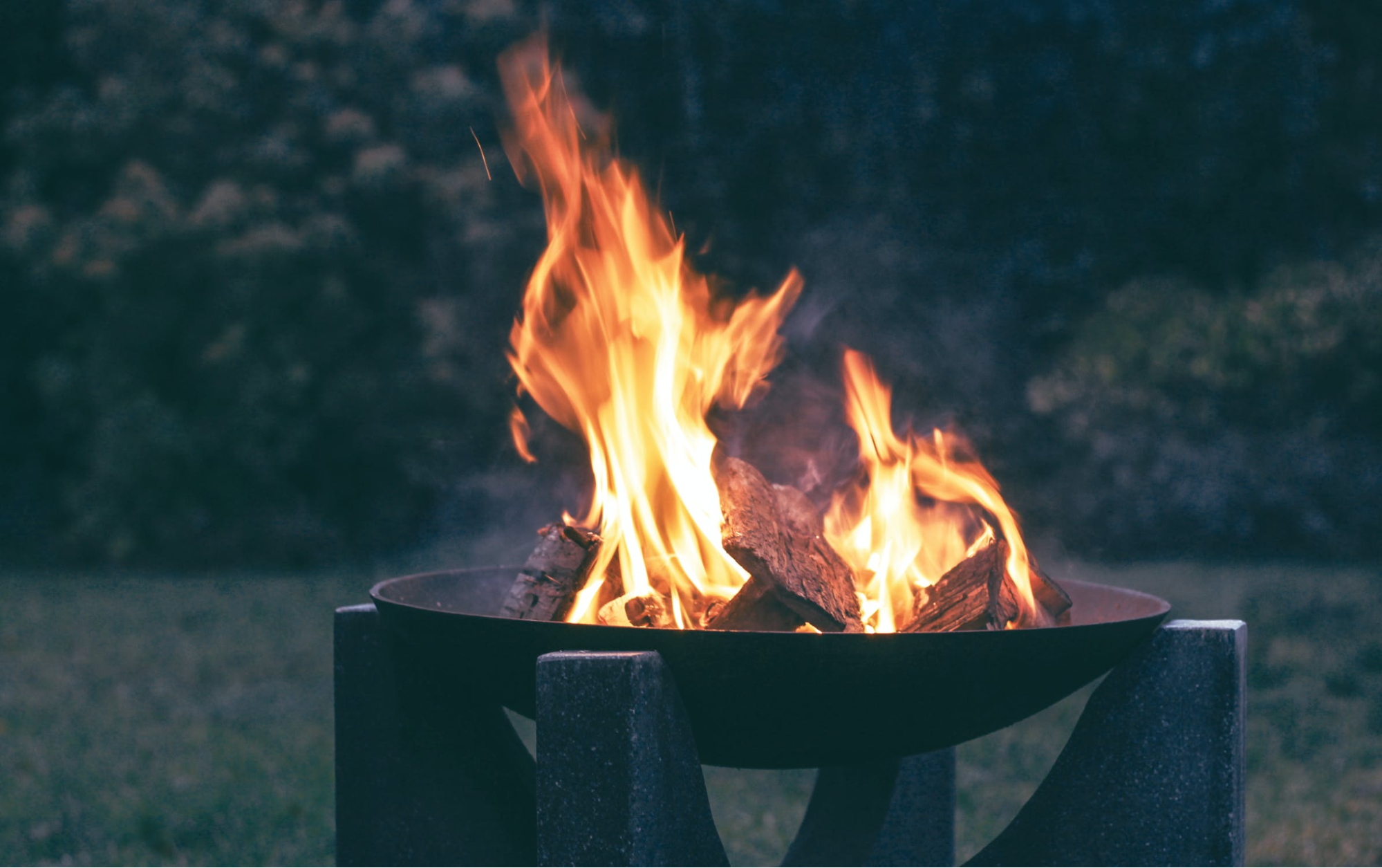 Expert Backyard Bonfire Ideas For A Party To Remember
